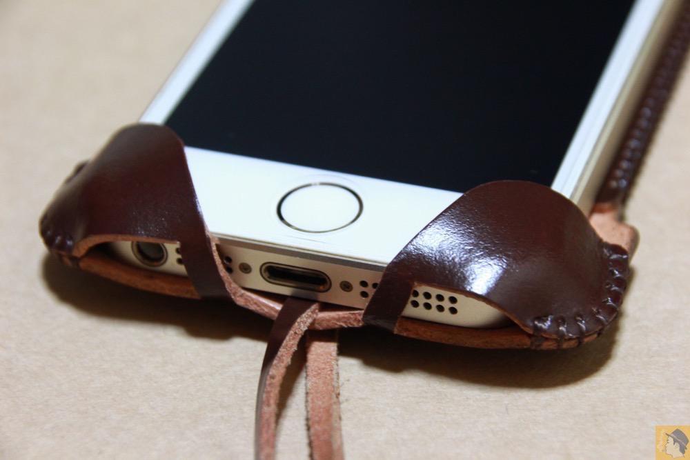 下部フラップ - 革の王様使ったabicase(アビケース)/ abicase cawa ウォレットジャケット コードバン ブラウン / iPhone 5/5s