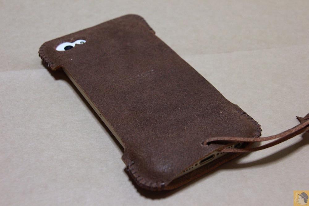 iPhone装着背面 - ペラペラな革使ったabicase(アビケース)/ abicase cawa シンプルジャケット / iPhone 5/5s