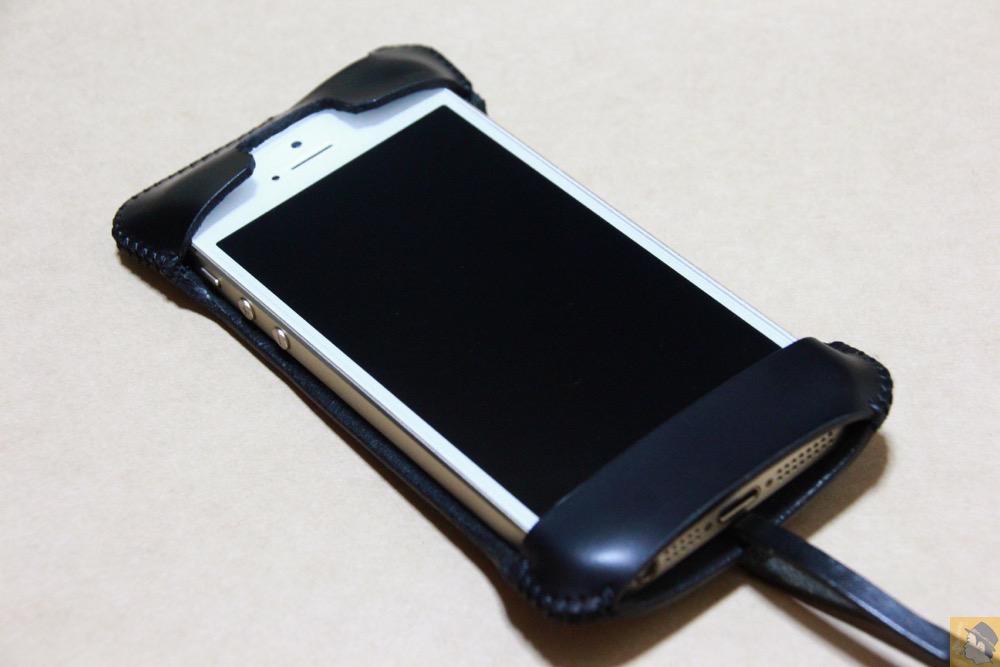 iPhone装着表面 - 2枚革じゃないけどウォレットジャケットのabicase(アビケース)/ abicase cawa ウォレットジャケット スムースレザー / iPhone 5/5s