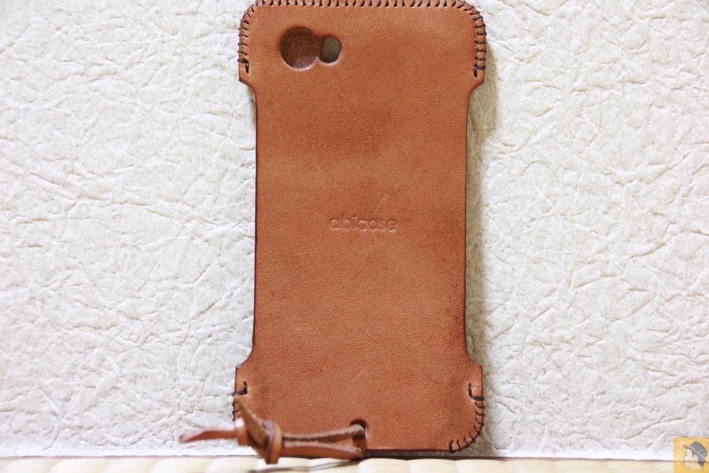 背面 - ウォレットジャケットだらけの中シンプルなabicase(アビケース)/ abicase cawa シンプルジャケット 栃木レザー 飴色 / iPhone 5/5s