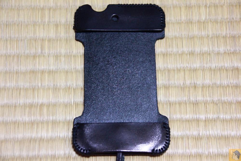 表面 - 必ず買う色のabicase(アビケース)/ abicase cawa シンプルジャケット 栃木レザー ブラック / iPhone 4S
