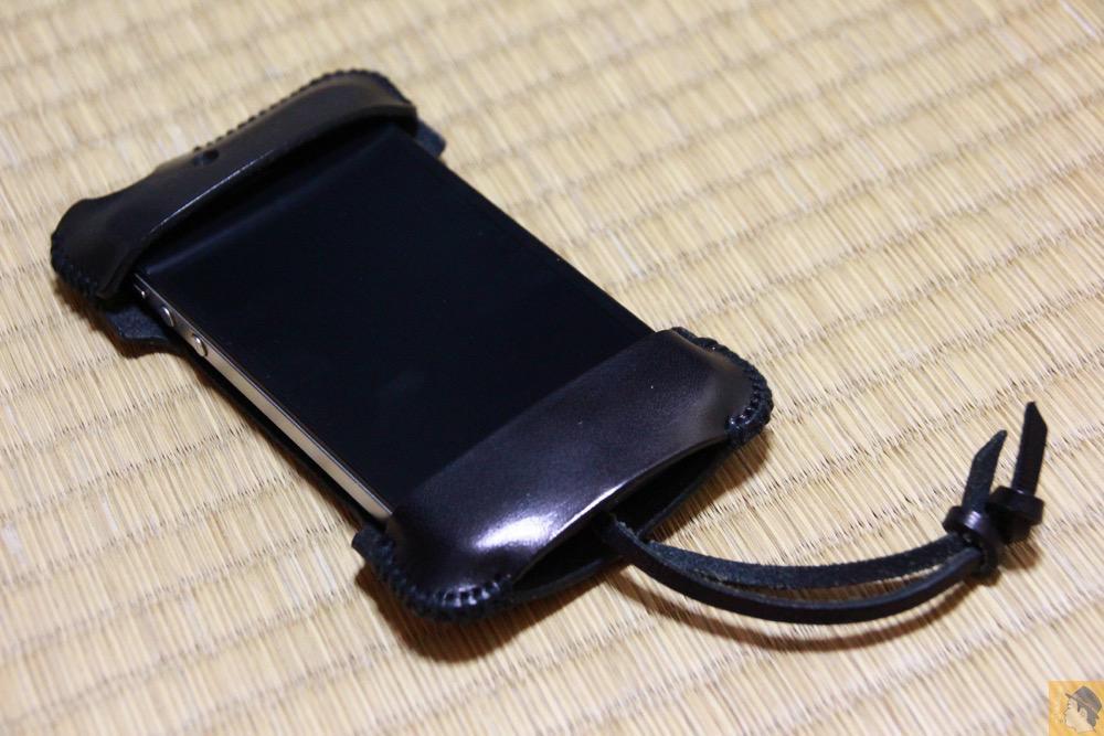 全体 - 必ず買う色のabicase(アビケース)/ abicase cawa シンプルジャケット 栃木レザー ブラック / iPhone 4S