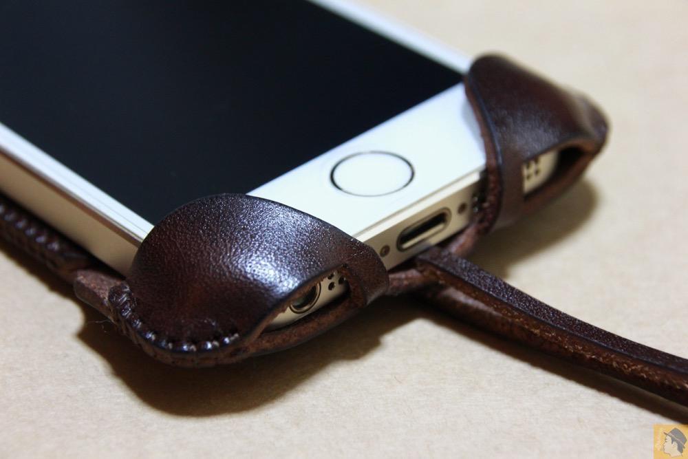 フラップ下部 - レア色だったチョコabicase(アビケース)/ abicase cawa ウォレットジャケット 栃木レザー チョコ / iPhone 5/5s