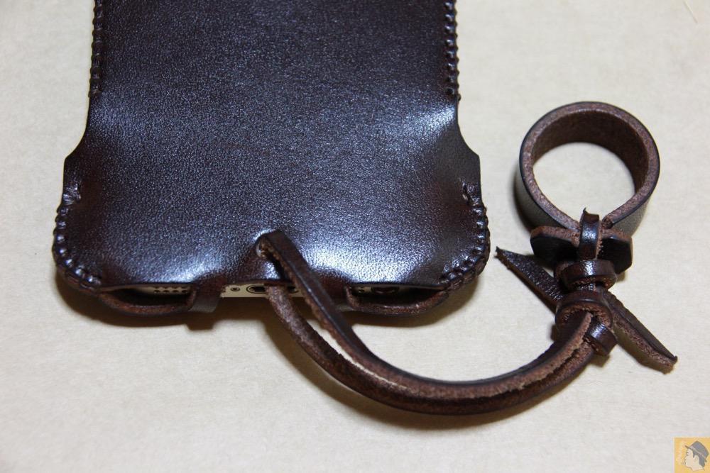 背面下部 - abicase(アビケース) cawa ウォレットジャケット 栃木レザー チョコ / iPhone 5/5s / レア色だったチョコabicase