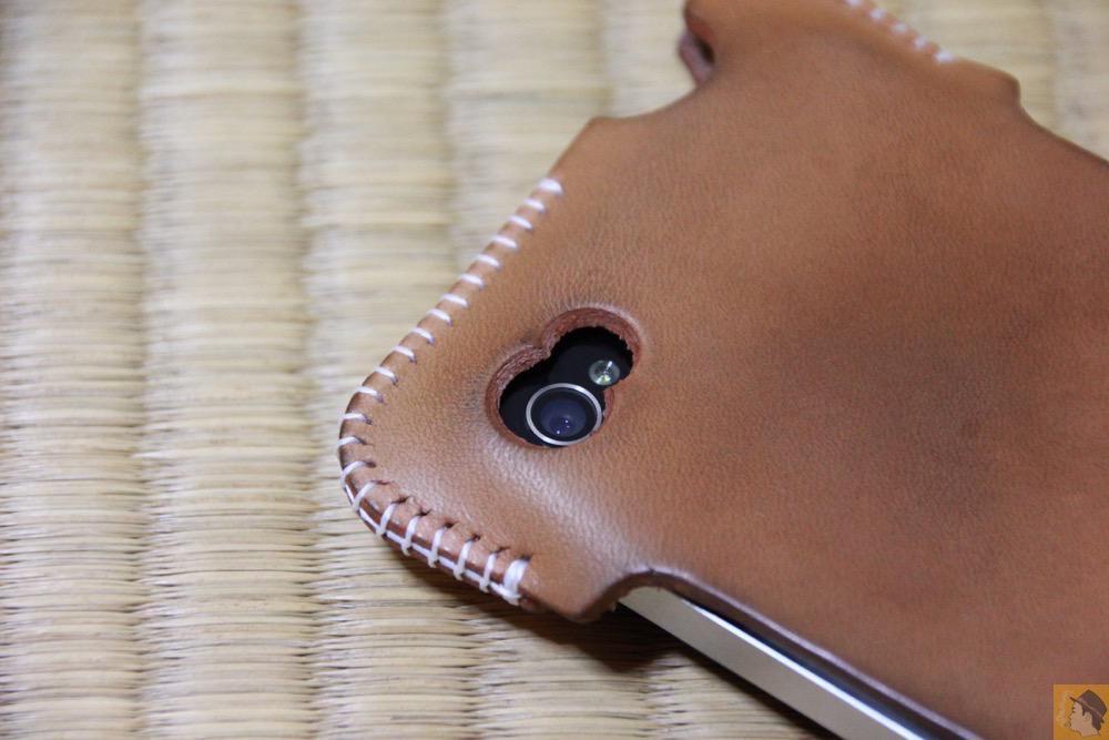 カメラ穴 - 想い入れあり、今見ても愛着あるabicase(アビケース)/ abicase cawa シンプルジャケット 栃木レザー ナチュラル / iPhone 4S