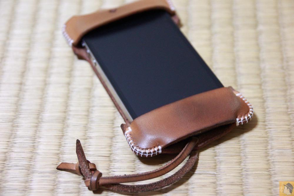 iPhone4S装着 - 想い入れあり、今見ても愛着あるabicase(アビケース)/ abicase cawa シンプルジャケット 栃木レザー ナチュラル / iPhone 4S