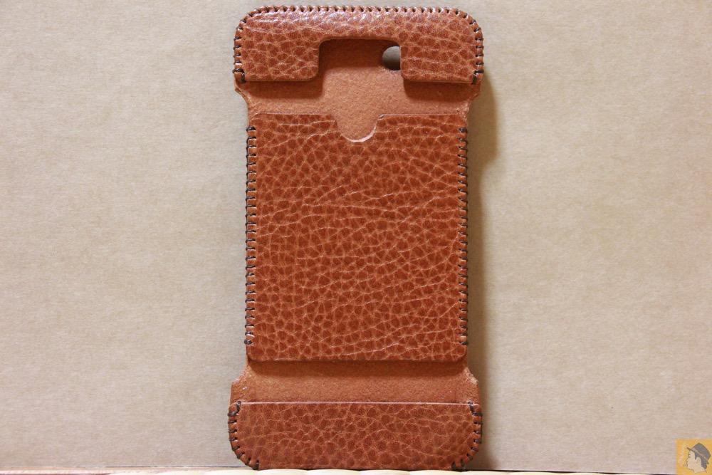 表面 - 表面が特徴的な柄したabicase(アビケース)/ abicase cawa ウォレットジャケット 栃木レザー オイルバケッタブラウン / iPhone 5/5s