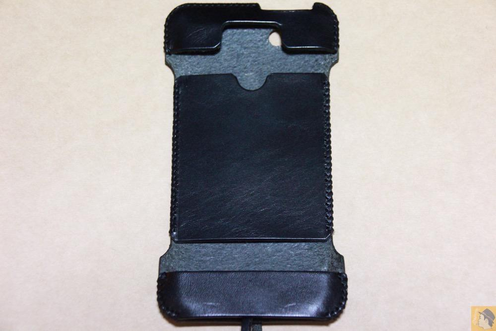 表面 - 自分の中では外せないカラーのabicase(アビケース)/ abicase cawa ウォレットジャケット 栃木レザー ブラック / iPhone 5/5s