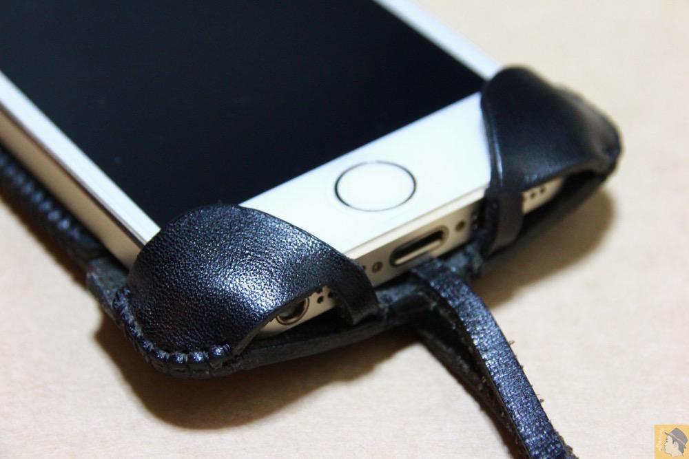 フラップ下部 - 指紋認証に初めて対応したabicase(アビケース)/ abicase cawa ウォレットジャケット 栃木レザー ブラック  / iPhone 5/5s