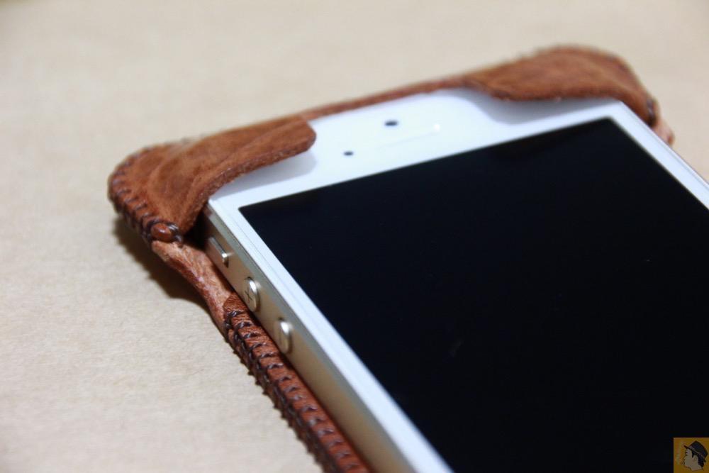 上部フラップ - もう1つのオイルバケッタレザーのabicase(アビケース)/ abicase cawa ウォレットジャケット オイルバケッタ ブラウン/ iPhone 5/5s