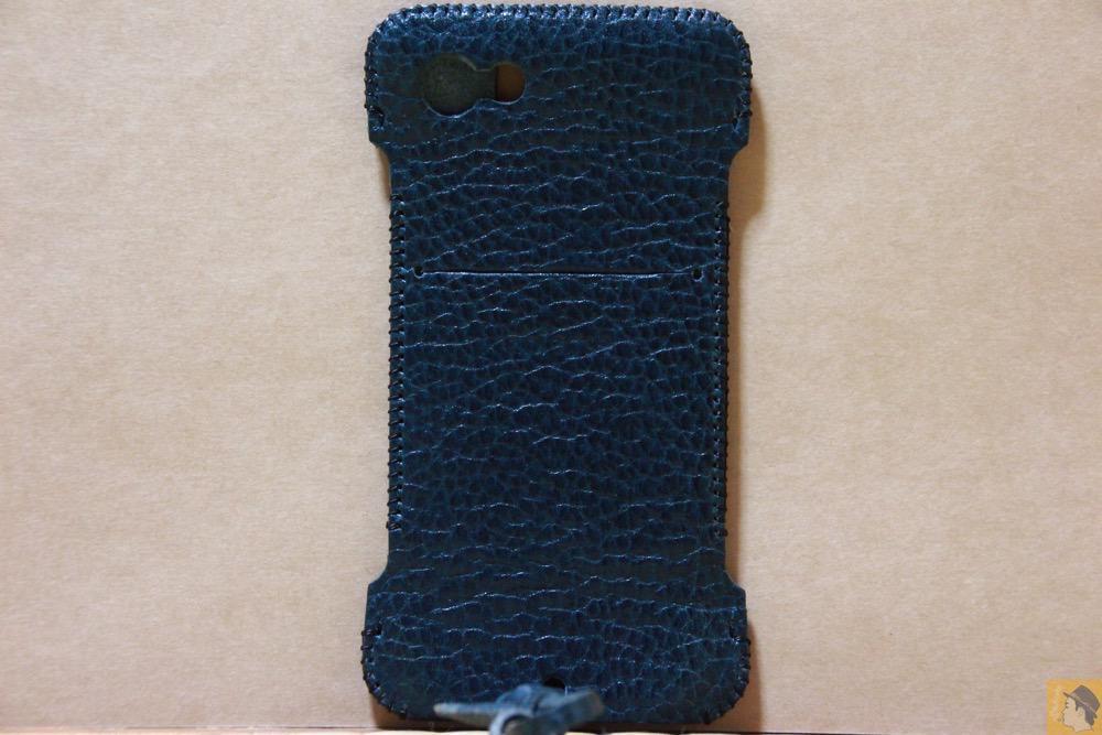 背面 - オイルバケッタブルーが綺麗なabicase(アビケース)/ abicase cawa ウォレットジャケット 栃木レザー オイルバケッタブルー / iPhone 5/5s