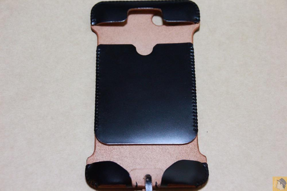 表面 - 墨のような黒さのabicase(アビケース)/ abicase cawa ウォレットジャケット コードバン 墨黒 / iPhone 6/6s