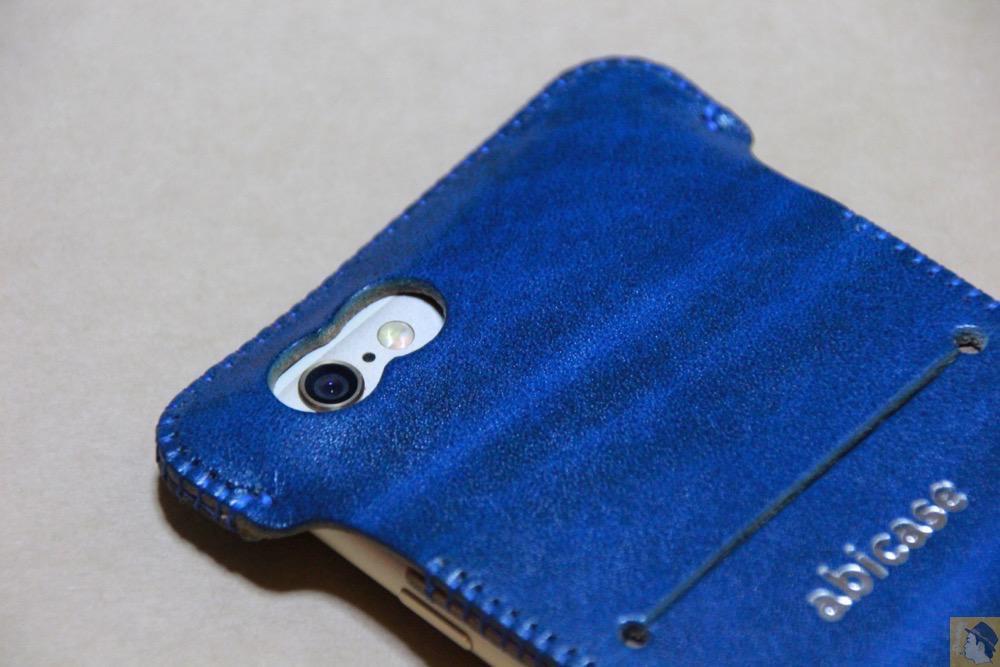 カメラ穴 - 虎模様が綺麗なabicase(アビケース)/ abicase cawa ウォレットジャケット ルガトレザー ブルー / iPhone 6/6s