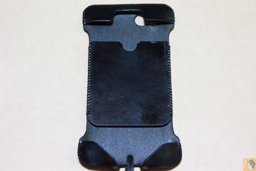 表面 - ドット柄が分かる人には分かるabicase(アビケース)/ abicase cawa ウォレットジャケット 栃木レザー ブラック / iPhone 6/6s