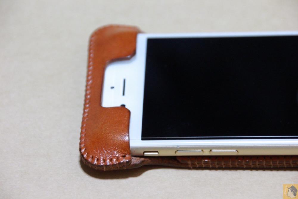 フラップ上部 - シンプルにしようと決めシンプルにしたabicase(アビケース)/ abicase cawa ウォレットジャケット 栃木レザー キャメル / iPhone 6/6s