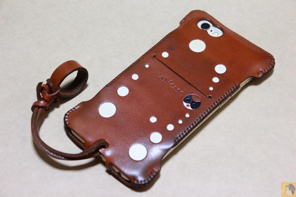 アイキャッチ - abicase(アビケース) cawa ウォレットジャケット 栃木レザー キャメル / iPhone 6/6s / 背面のデザインで思いっきり遊んだabicase