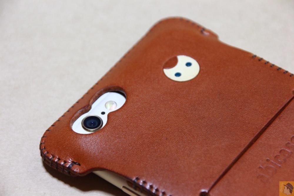 カメラ穴と猫印 - abicase(アビケース) cawa ウォレットジャケット 栃木レザー キャメル / iPhone 6/6s / 初リンゴドット柄のabicase