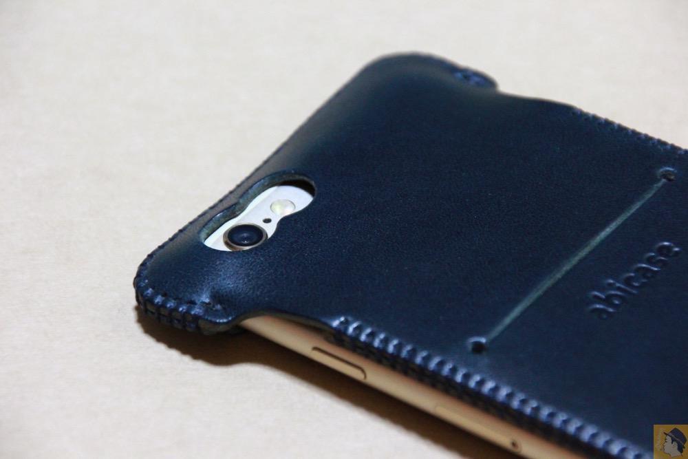 カメラ穴 - カラフルリンゴドット柄abicase(アビケース)/ abicase cawa ウォレットジャケット ネイビー / iPhone 6/6s