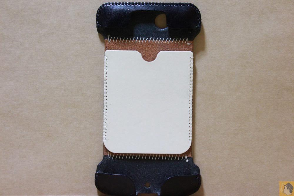 表面 - abicase(アビケース) cawa ウォレットジャケット 栃木レザー 白黒ストライプ / iPhone 6/6s / abicase
