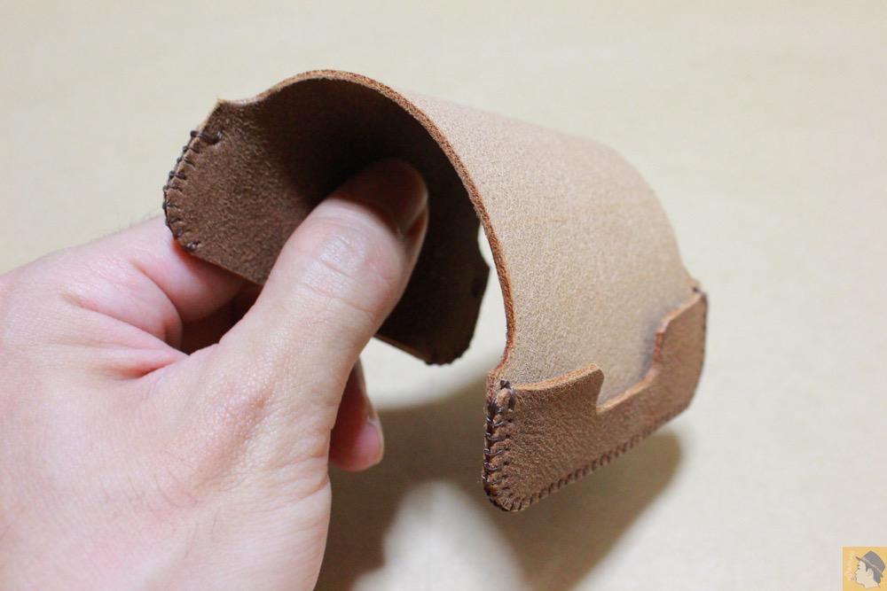 ペラペラ革 - とても柔らかい革使ったabicase(アビケース)、ペラペラだけどiPhoneにぴったり装着できる / iPhone 5/5s [レビュー 16/40]