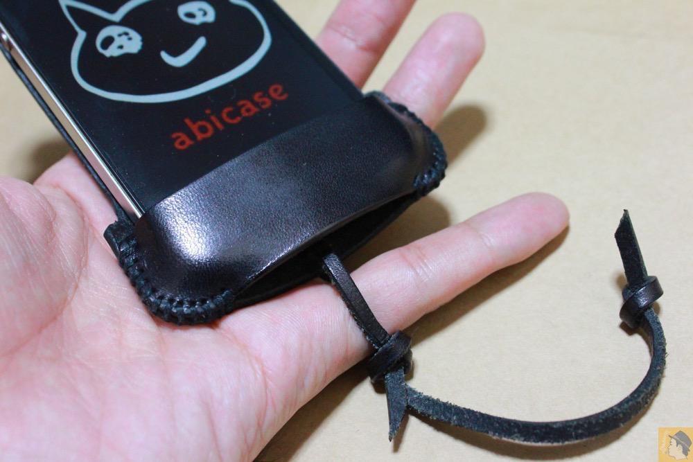 アイキャッチ - ストラップが付いたabicase(アビケース)、指に付けることでiPhoneの落下防止 / iPhone 4S [レビュー 6/40]