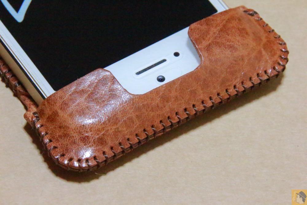 オイルバケッタレザー1 - 革の表面が個性的なabicase(アビケース)のオイルバケッタレザー / iPhone 5/5s [レビュー 11/40]