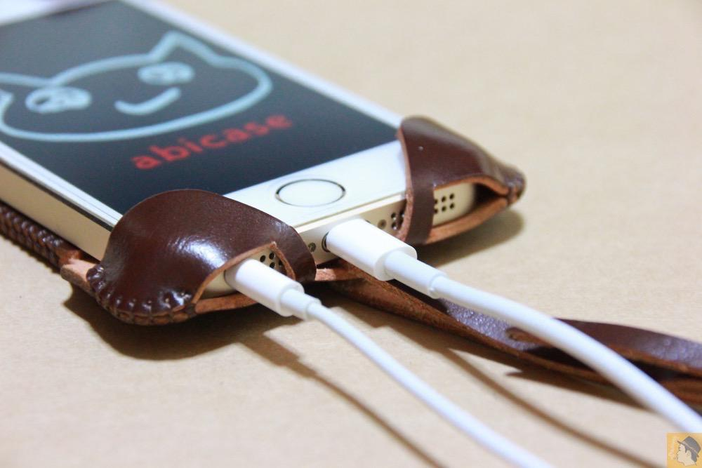 充電ケーブル・イヤフォン - 贅沢にコードバンを使用したabicae(アビケース)。希少性高い革・革のダイヤモンドと呼ばれる革 / iPhone 5/5s [レビュー 24/40]