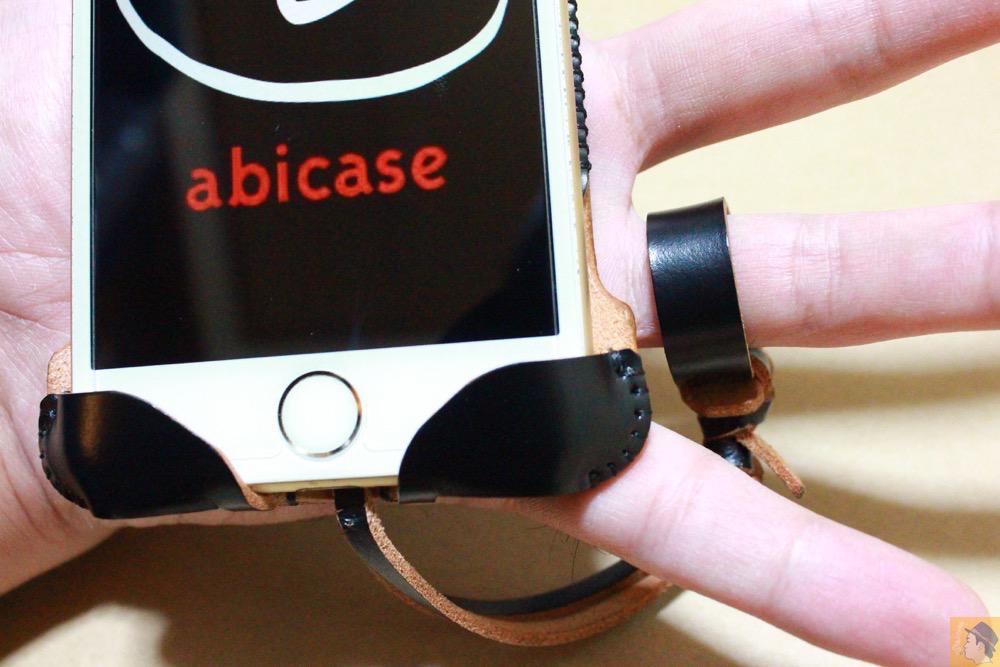 ストラップ - コードバンabicase アビケース。銀面が墨で色付けしたかのような黒さです / iPhone 6/6s [レビュー 32/40]