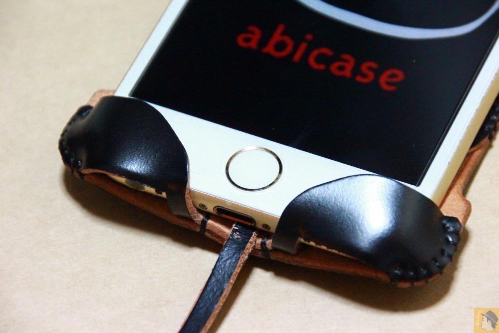 ホームボタン・イヤフォン - コードバンabicase アビケース。銀面が墨で色付けしたかのような黒さです / iPhone 6/6s [レビュー 32/40]