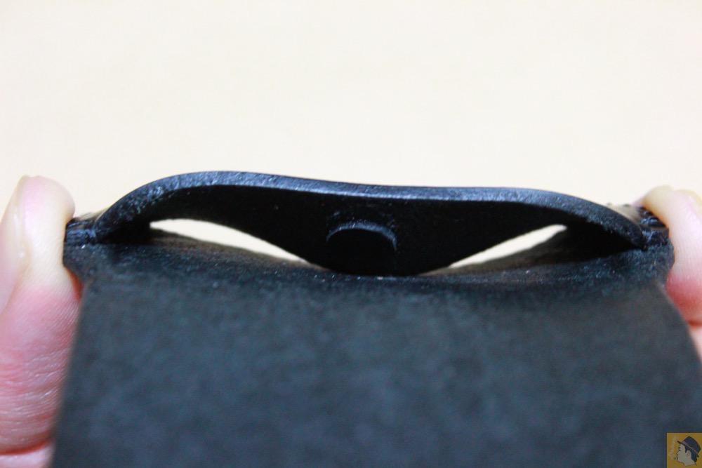 ホームボタン - 珍しいタイプのabicase(アビケース)ウォレットジャケット、1枚革でカード収納が出来る / iPhone 5/5s [レビュー 21/40]