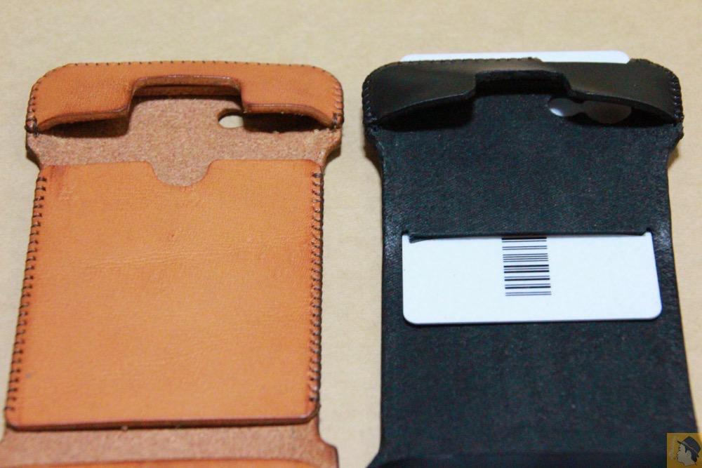カード収納2 - 珍しいタイプのabicase(アビケース)ウォレットジャケット、1枚革でカード収納が出来る / iPhone 5/5s [レビュー 21/40]