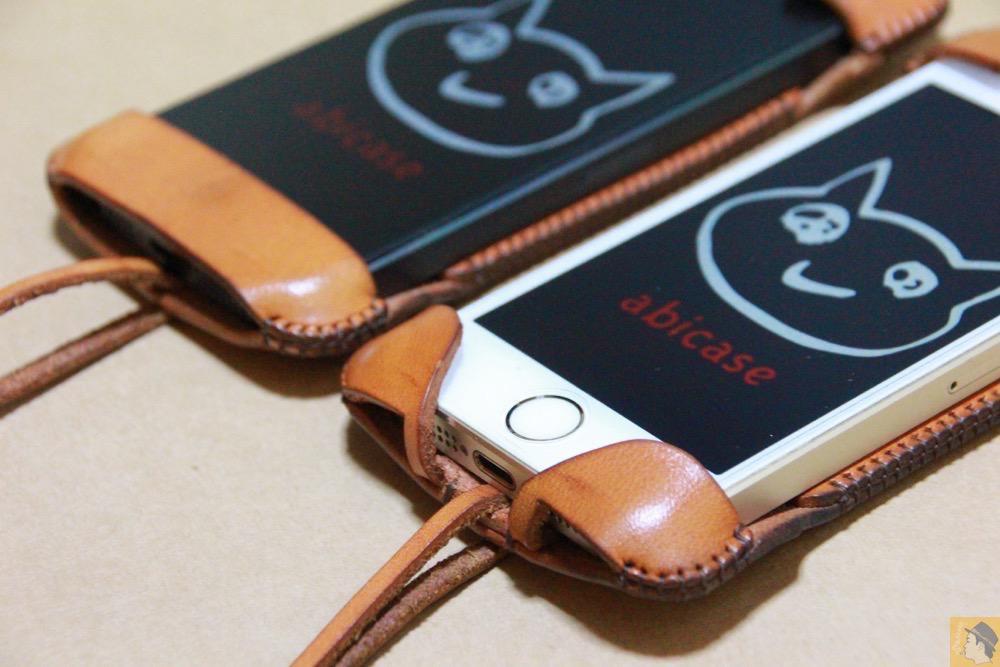現在に受け継がれているデザイン - 指紋認証対応abicase(アビケース)はコツ要らずでiPhone装着が出来る。そして現在にも受け継がれているデザイン / iPhone 5/5s [レビュー 23/40]