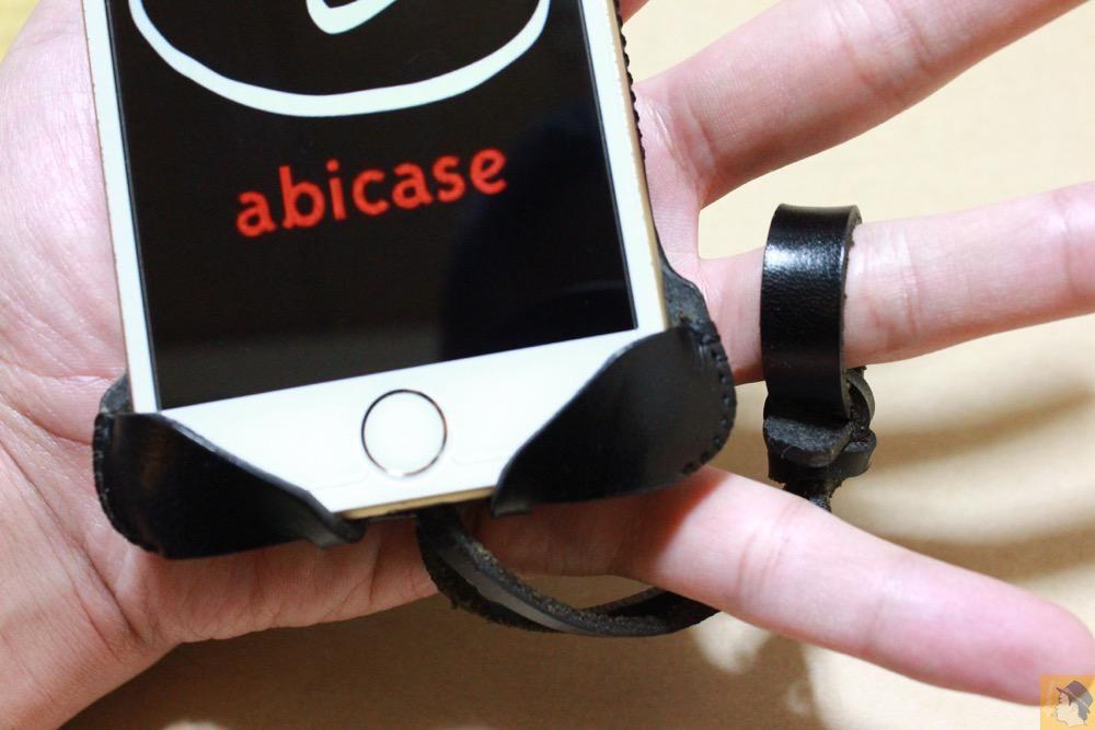 ストラップ - iPhone 6/6s用abicase(アビケース)はスリープボタンが移動したことで上部のデザインが変更されフラットに / iPhone 6/6s [レビュー 29/40]