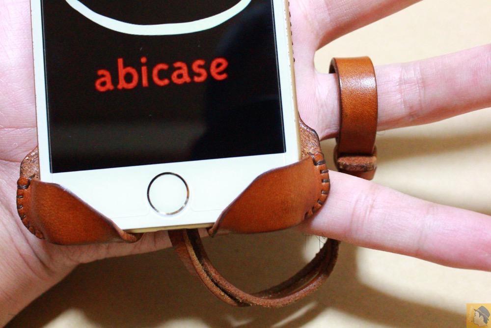 ストラップ - abicase アビケースの背面に個性的なデザインを施し、キャメル色をエイジングさせ深い色へ / iPhone 6/6s [レビュー 34/40]