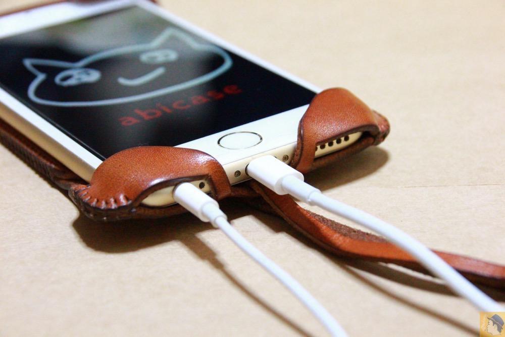 充電ケーブル・イヤフォン - abicase アビケースの背面にデザインを施し個性的にし、キャメル色をところんエイジング / iPhone 6/6s [レビュー 34/40]