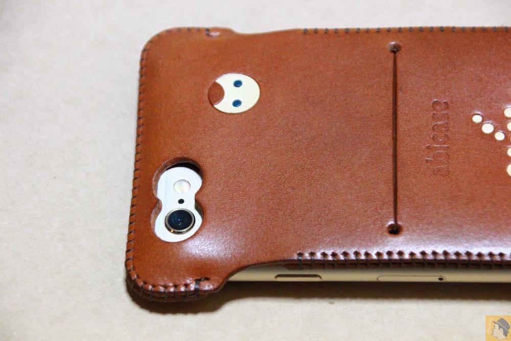 カメラ穴 - abicase アビケースの中で一番初めに作られたリンゴドット柄デザイン / iPhone 6/6s [レビュー 30/40]