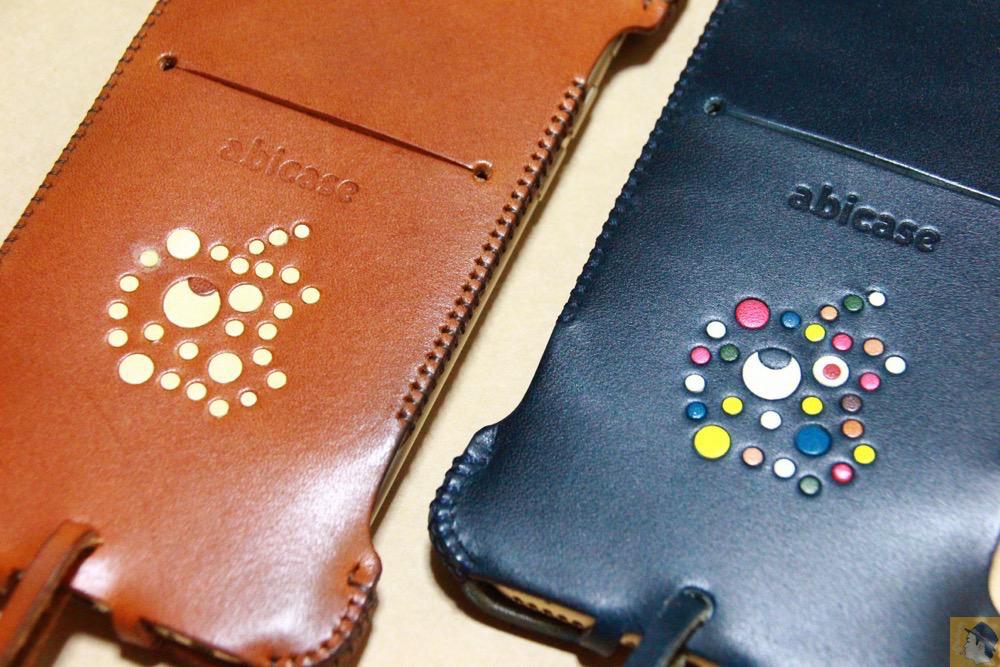 カラフルリンゴドット柄2 - ネイビーabicase アビケース 背面に施されたリンゴドット柄がカラフル配色です / iPhone 6/6s [レビュー 33/40]