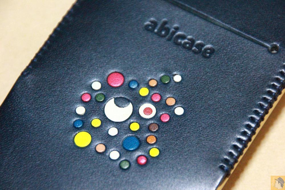サムネイル - ネイビーabicase アビケース 背面に施されたリンゴドット柄がカラフル配色です / iPhone 6/6s [レビュー 33/40]
