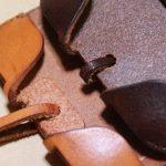 チョコ色abicase(アビケース)、フラップが2枚革から1枚革になったことでiPhoneのフィット感がさらに増す! / iPhone 5/5s [レビュー 26/40]