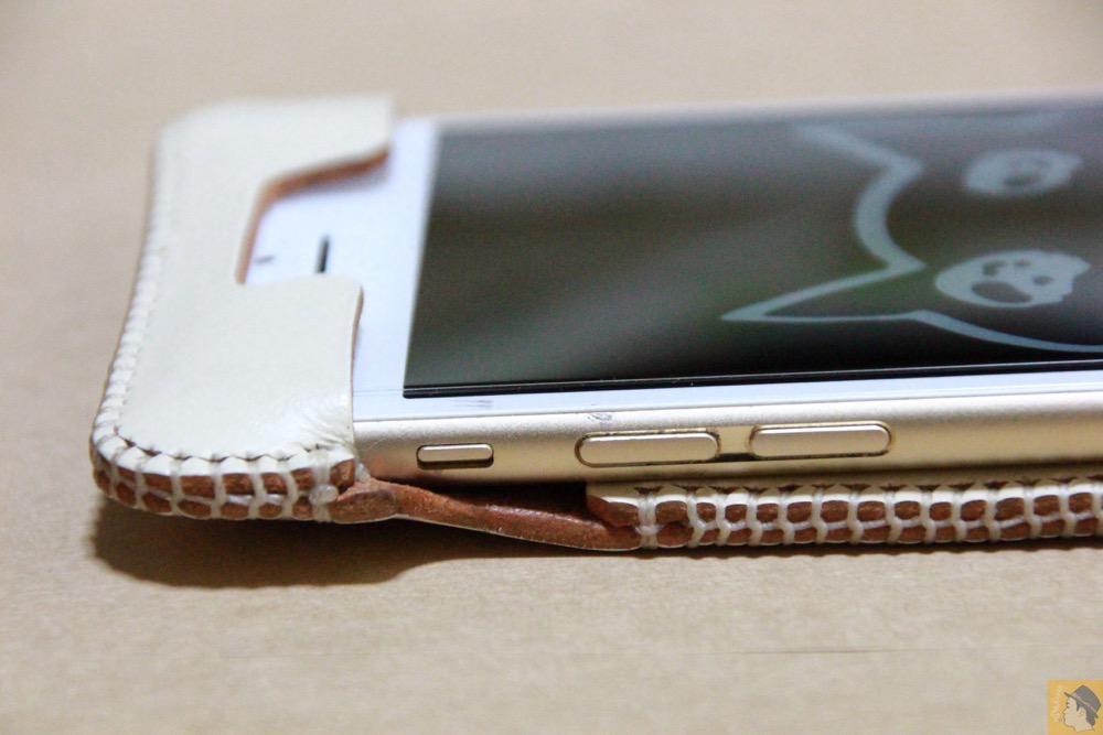 音量調整ボタン・マナーモード切替えスイッチ - abicase アビケースは工夫の連続。フラップの工夫でiPhoneの画面下の操作がしやすい / iPhone 6/6s [レビュー 31/40]