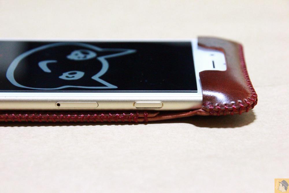 スリープボタン - コードバンabicase アビケースのレッドブラウン色は惚れる色で艶のある綺麗な革 / iPhone 6/6s [レビュー 36/40]