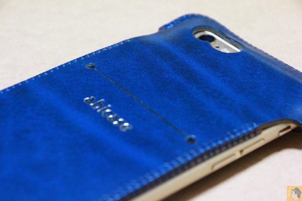 虎模様2 - ルガトレザーabicase アビケースは鮮やかな青に虎模様が綺麗に入った銀面が特徴 / iPhone 6/6s [レビュー 37/40]