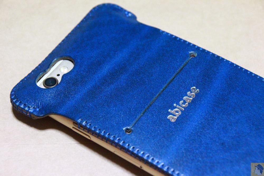 虎模様 - ルガトレザーabicase アビケースは鮮やかな青に虎模様が綺麗に入った銀面が特徴 / iPhone 6/6s [レビュー 37/40]