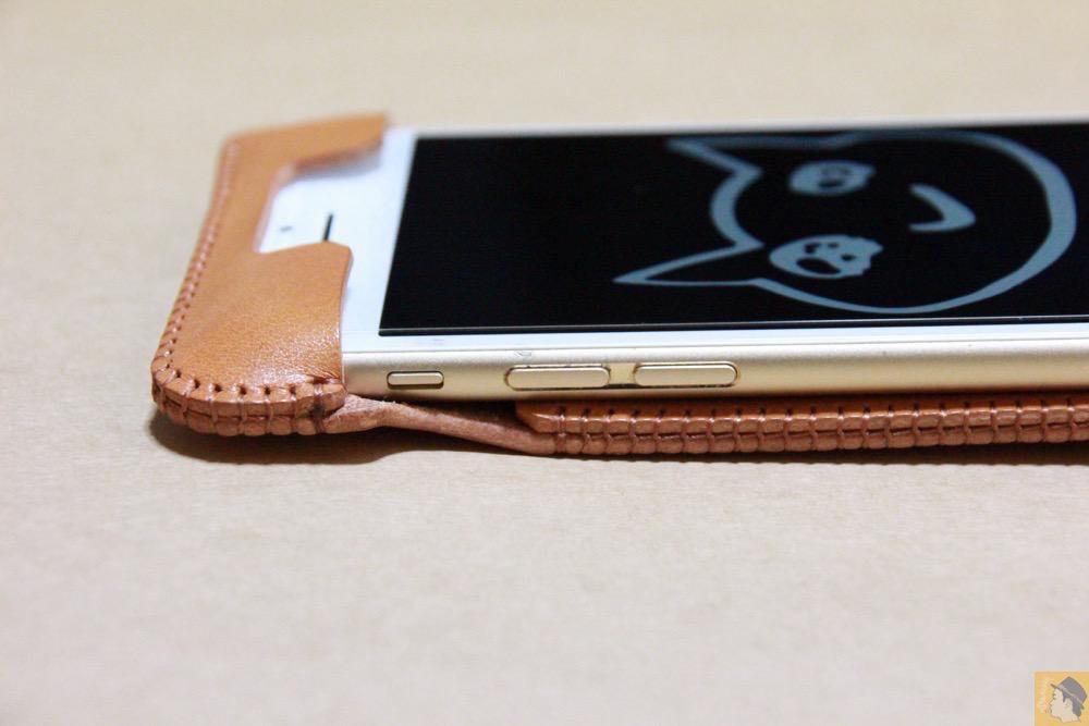 音量調整ボタン・マナ-モ-ド切替えスイッチ - 銀面が極上の質感のabicase アビケースはiPhoneケースとして使うのがもったいない仕上がり / iPhone 6/6s [レビュー 40/40]