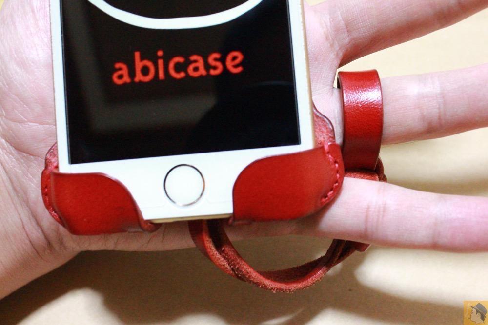 ストラップ - 初めての赤色abicase アビケースは背面にこれまでにない刻印の乱れ打ちデザイン / iPhone 6/6s [レビュー 39/40]