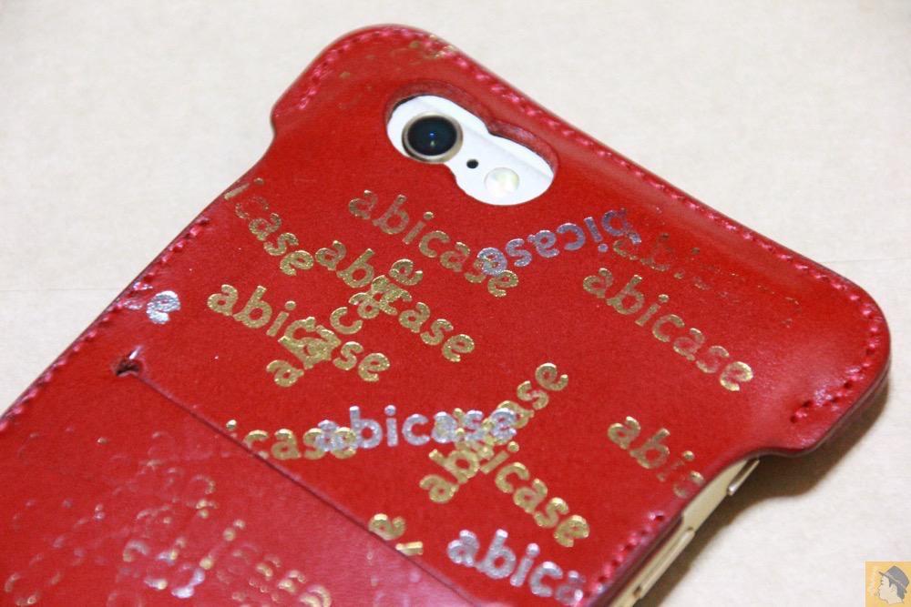 abicase刻印乱れ打ち - 初めての赤色abicase アビケースは背面にこれまでにない刻印の乱れ打ちデザイン / iPhone 6/6s [レビュー 39/40]